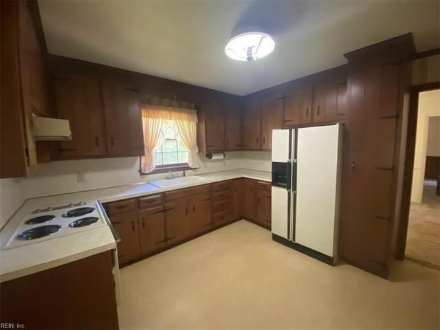 108 Mastin Ave, York County, VA 23696 (MLS #10322472) :: AtCoastal Realty