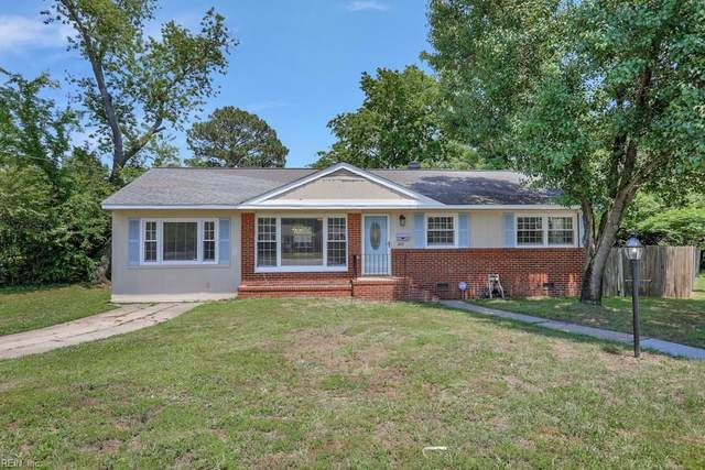200 Lynnhaven Dr, Hampton, VA 23666 (#10324712) :: The Kris Weaver Real Estate Team