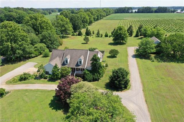 18410 Days Point Rd, Isle of Wight County, VA 23430 (#10325655) :: Rocket Real Estate