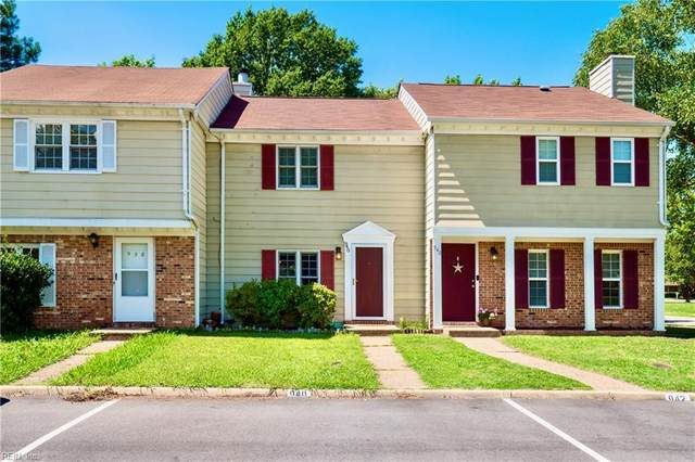 940 Brigantine Ct, Chesapeake, VA 23320 (#10327828) :: The Kris Weaver Real Estate Team