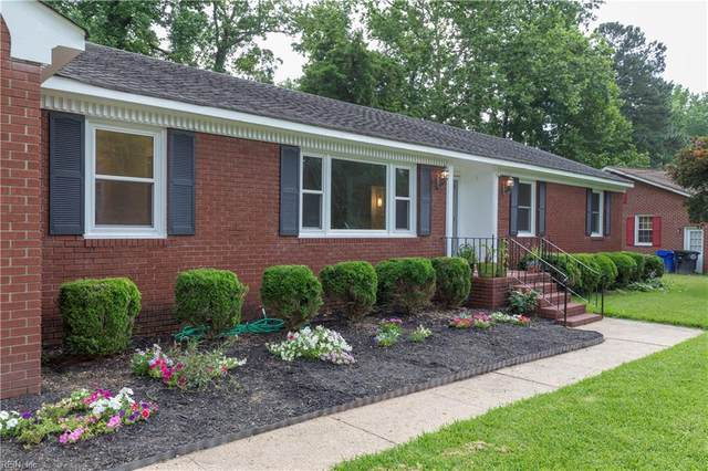 3203 Dogwood Dr, Portsmouth, VA 23703 (#10328747) :: The Kris Weaver Real Estate Team