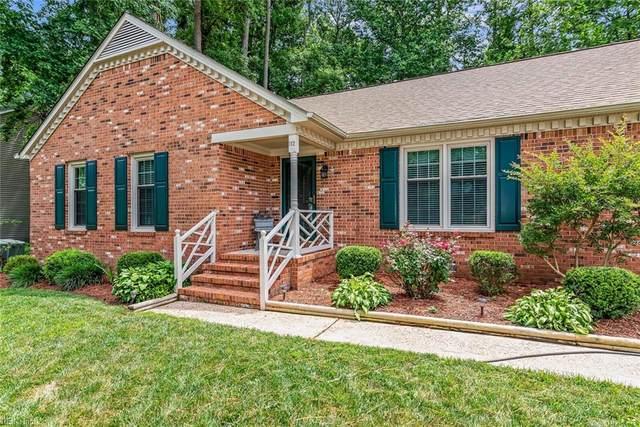 112 Gray Ln, York County, VA 23692 (#10329766) :: The Kris Weaver Real Estate Team