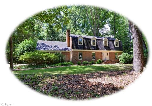 299 E Queens Dr, York County, VA 23185 (#10330576) :: AMW Real Estate