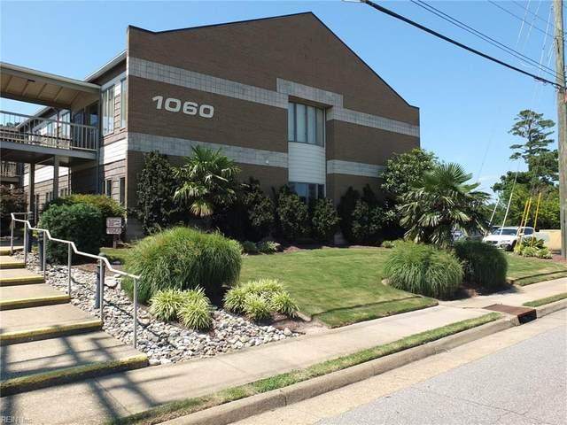 1060 Laskin Rd 14B, Virginia Beach, VA 23451 (#10332557) :: The Kris Weaver Real Estate Team