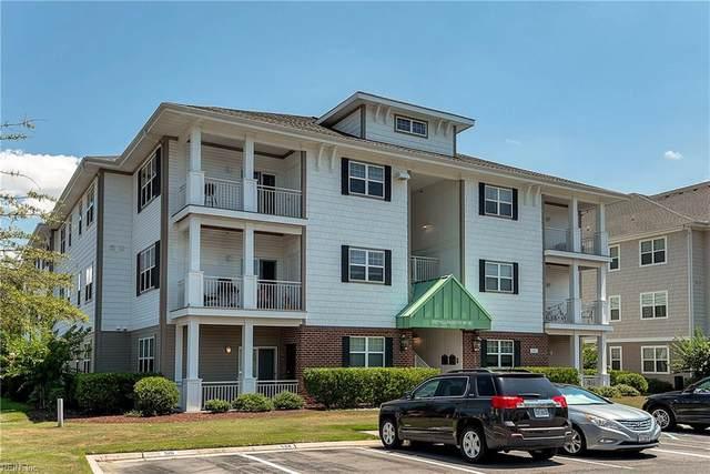 4332 Hillingdon Bnd #301, Chesapeake, VA 23321 (#10332575) :: Kristie Weaver, REALTOR