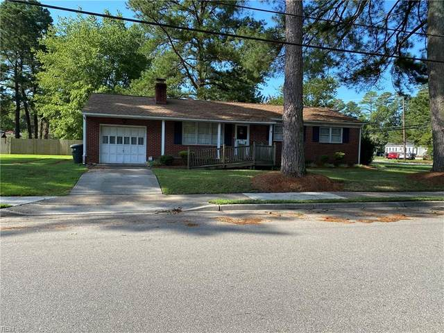 220 Menchville Rd, Newport News, VA 23602 (#10334427) :: Encompass Real Estate Solutions