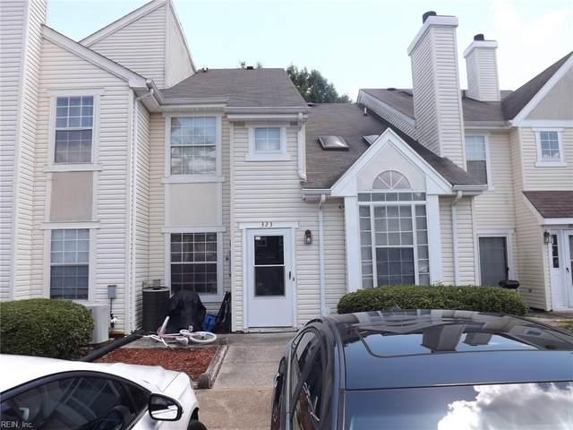 323 Lees Mill Dr, Newport News, VA 23608 (#10334519) :: AMW Real Estate