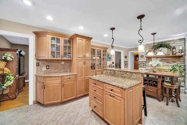 2813 Meadow Wood Dr E, Chesapeake, VA 23321 (#10334601) :: Rocket Real Estate
