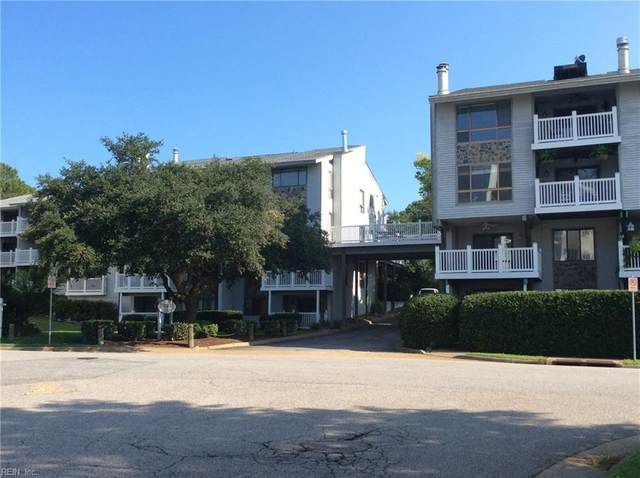 3200 Lynnhaven Dr #105, Virginia Beach, VA 23451 (#10335604) :: AMW Real Estate