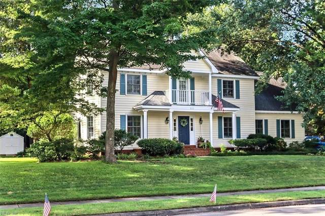 521 Country Club Blvd, Chesapeake, VA 23322 (#10336089) :: The Kris Weaver Real Estate Team