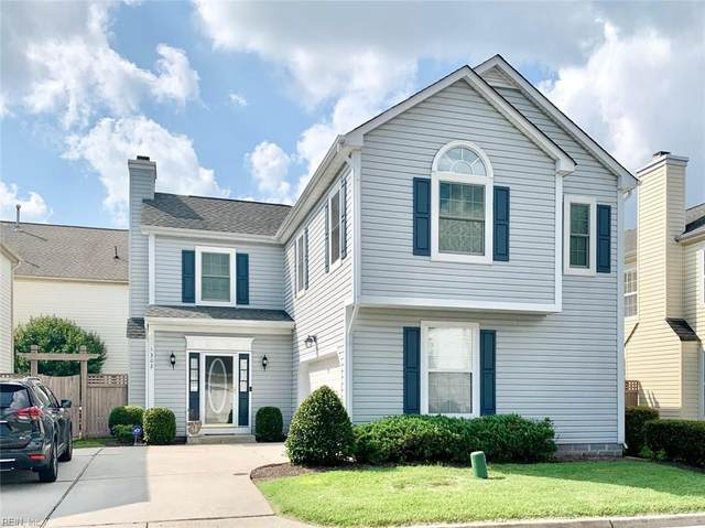 1302 Oak Ridge Ln, Chesapeake, VA 23320 (#10340184) :: The Kris Weaver Real Estate Team