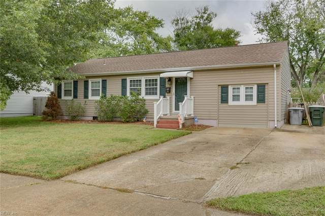 121 Clemwood Pw, Hampton, VA 23669 (#10341898) :: Berkshire Hathaway HomeServices Towne Realty
