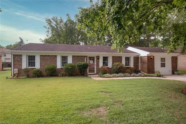 2009 Hollins Ct, Chesapeake, VA 23320 (#10342517) :: Encompass Real Estate Solutions