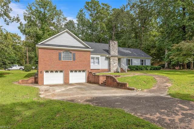 7 Huntington Dr, James City County, VA 23188 (#10343006) :: Kristie Weaver, REALTOR