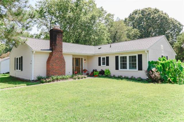 4 Riverside Dr, Isle of Wight County, VA 23430 (#10343760) :: Abbitt Realty Co.