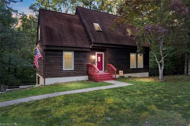 121 Chapel Hill Ln, York County, VA 23188 (#10345179) :: The Kris Weaver Real Estate Team