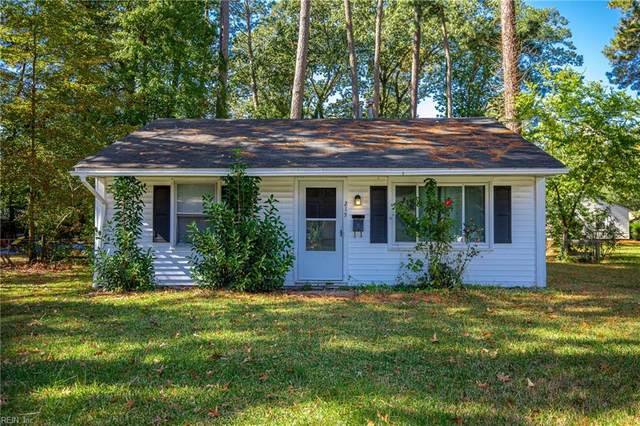 215 Pine Grove Ave, Hampton, VA 23669 (#10347444) :: Rocket Real Estate