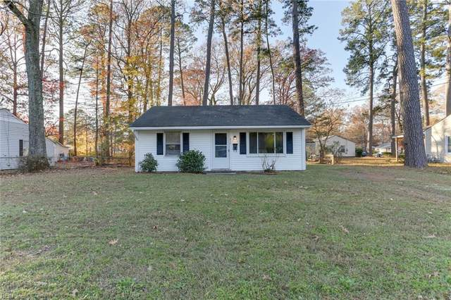 215 Pine Grove Ave, Hampton, VA 23669 (#10353114) :: Judy Reed Realty