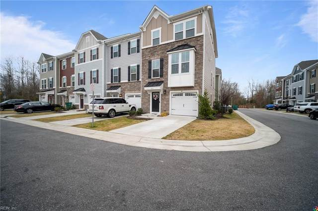 4336 Whitfield Ln, Chesapeake, VA 23324 (#10356538) :: Berkshire Hathaway HomeServices Towne Realty