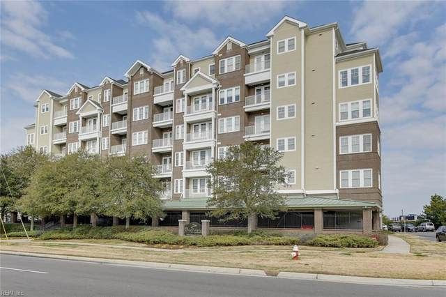 3800 Dupont Cir #303, Virginia Beach, VA 23455 (#10361199) :: Verian Realty
