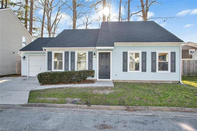 172 S Hall Way, Newport News, VA 23608 (#10363283) :: Berkshire Hathaway HomeServices Towne Realty