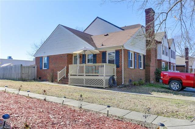 2424 Meadows Lndg, Chesapeake, VA 23321 (#10363432) :: The Kris Weaver Real Estate Team