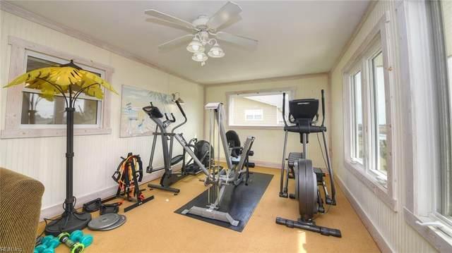 3325 Sandpiper Rd, Virginia Beach, VA 23456 (#10364135) :: Berkshire Hathaway HomeServices Towne Realty
