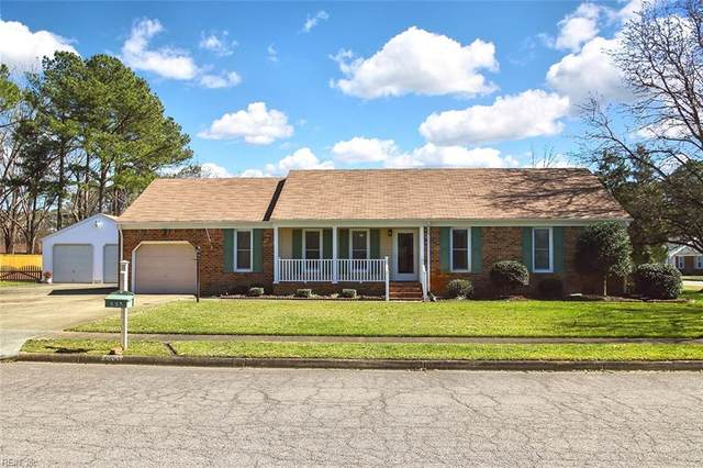 633 Caravelle Dr, Chesapeake, VA 23322 (#10364855) :: Berkshire Hathaway HomeServices Towne Realty