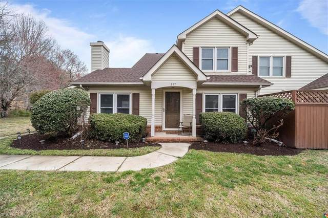 217 Alder Wood Dr, Hampton, VA 23666 (#10365563) :: Berkshire Hathaway HomeServices Towne Realty