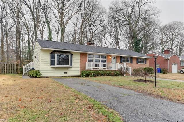 140 Henry Clay Rd, Newport News, VA 23601 (#10366090) :: Berkshire Hathaway HomeServices Towne Realty