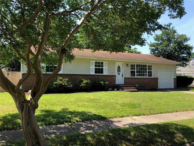 4805 Dolphin Ave, Norfolk, VA 23513 (#10366184) :: The Bell Tower Real Estate Team