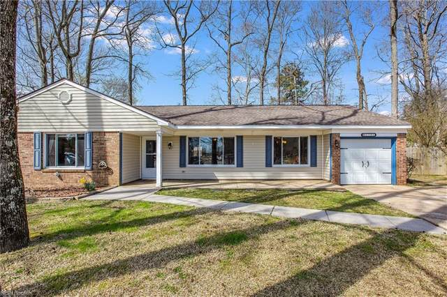 1701 Mirror Lake Cir, Virginia Beach, VA 23453 (#10366363) :: Berkshire Hathaway HomeServices Towne Realty