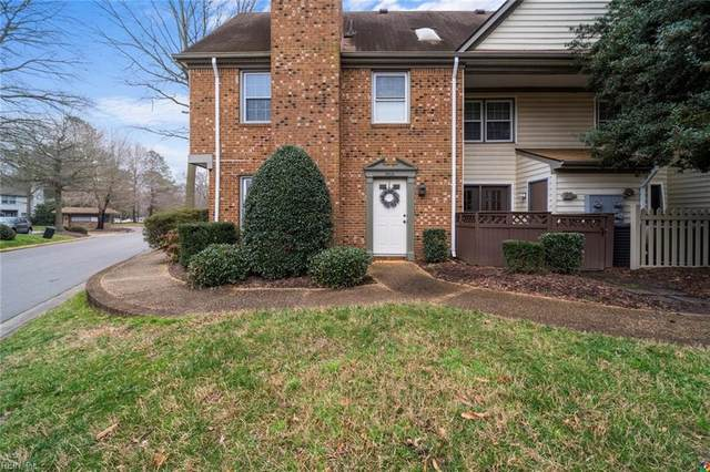 901 Saint Andrews Rch A, Chesapeake, VA 23320 (#10366670) :: The Bell Tower Real Estate Team