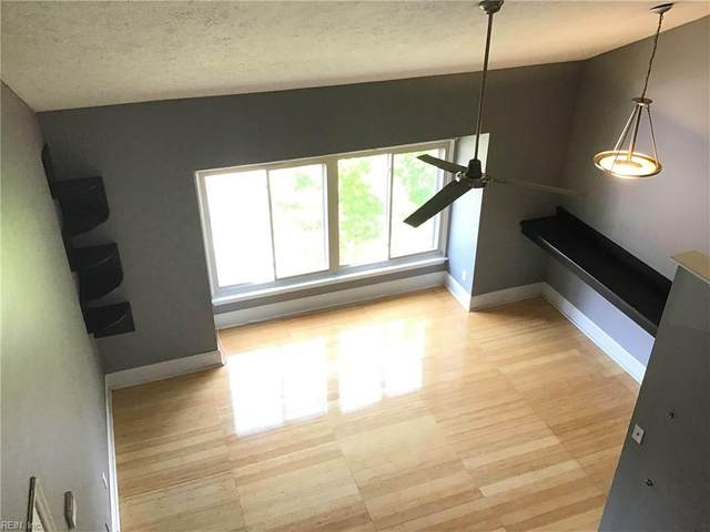 153 Pacific Dr, Hampton, VA 23666 (#10366982) :: Berkshire Hathaway HomeServices Towne Realty