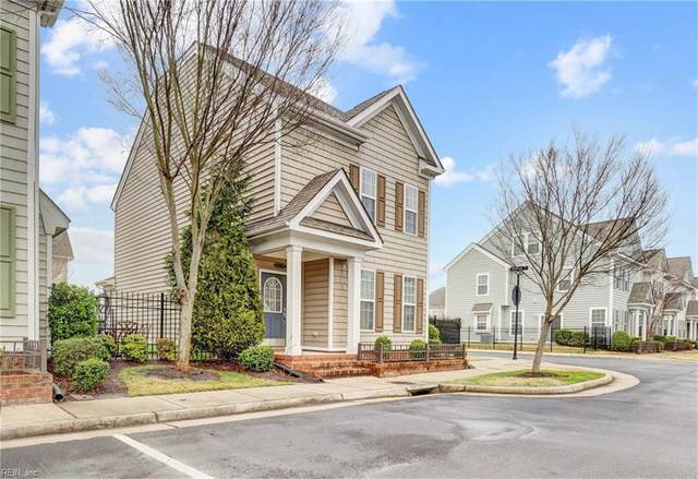 8239 Lee Hall Ave #8, Suffolk, VA 23435 (#10367364) :: Avalon Real Estate