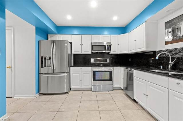 3249 Manor Glenn Ct, Virginia Beach, VA 23453 (#10368626) :: Berkshire Hathaway HomeServices Towne Realty