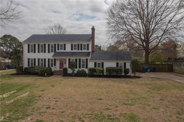 2421 Blue Castle Ln, Virginia Beach, VA 23454 (#10369085) :: The Bell Tower Real Estate Team