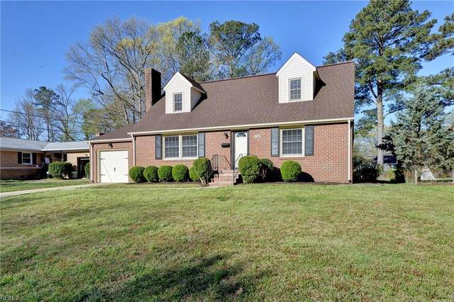 95 Glade Rd, Newport News, VA 23606 (#10369475) :: The Bell Tower Real Estate Team