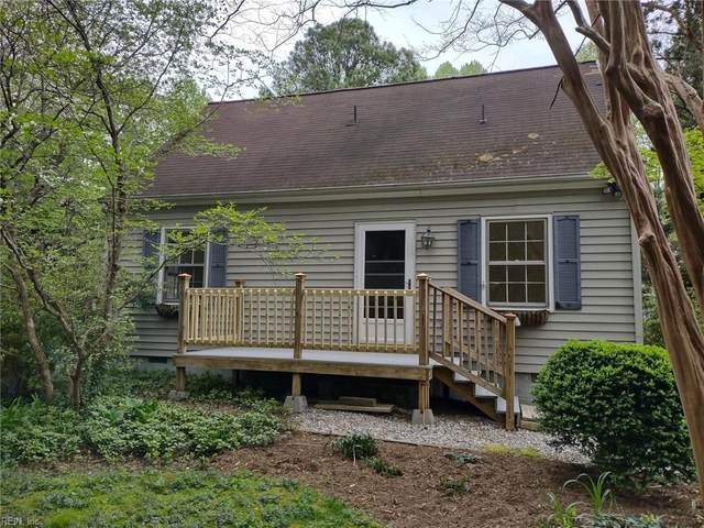 128 Racefield Dr, James City County, VA 23168 (#10371951) :: Rocket Real Estate