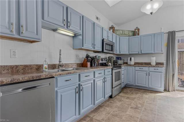 5017 Rugby Rd, Virginia Beach, VA 23464 (#10372020) :: Berkshire Hathaway HomeServices Towne Realty