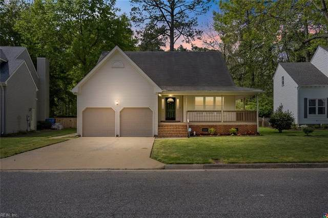 549 Broad Bend Cir, Chesapeake, VA 23320 (#10372600) :: Kristie Weaver, REALTOR