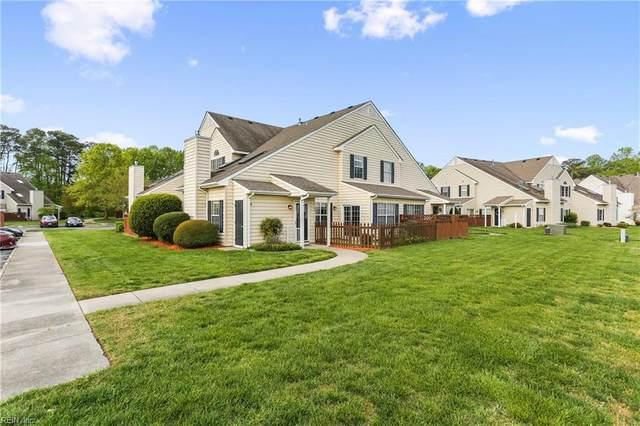 100 Hamlet Ct, York County, VA 23693 (#10372984) :: The Kris Weaver Real Estate Team