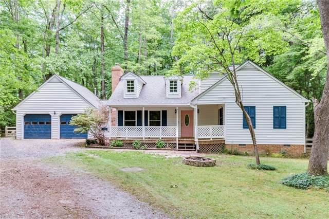 8219 Meandering Ln, Gloucester County, VA 23128 (#10376556) :: The Kris Weaver Real Estate Team