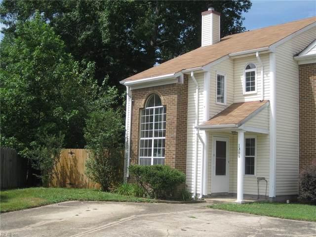 1300 Damyien Arch, Chesapeake, VA 23320 (#10376887) :: Berkshire Hathaway HomeServices Towne Realty