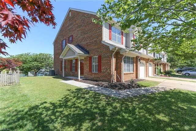 611 S Lake Cir, Chesapeake, VA 23322 (#10378314) :: Berkshire Hathaway HomeServices Towne Realty