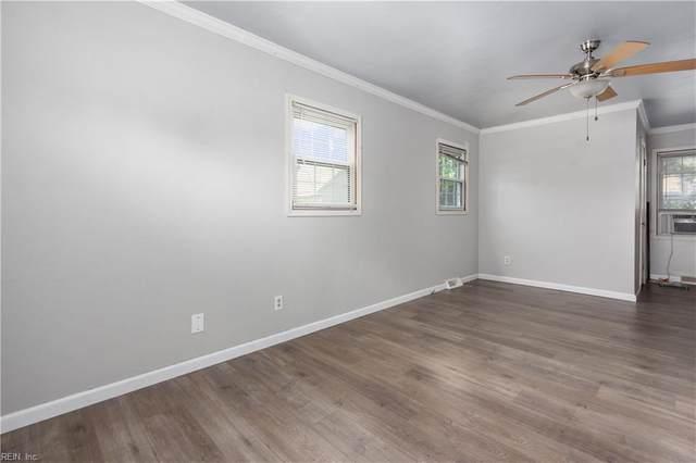 818 Gene Cres, Chesapeake, VA 23320 (#10378651) :: Berkshire Hathaway HomeServices Towne Realty