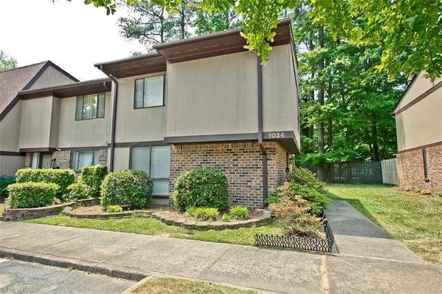 1024 Willow Green Dr, Newport News, VA 23602 (#10379519) :: RE/MAX Central Realty