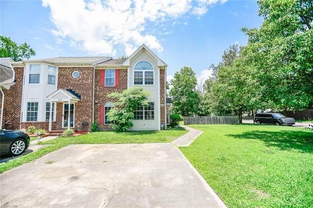 828 S Lake Cir, Chesapeake, VA 23322 (#10383992) :: Berkshire Hathaway HomeServices Towne Realty