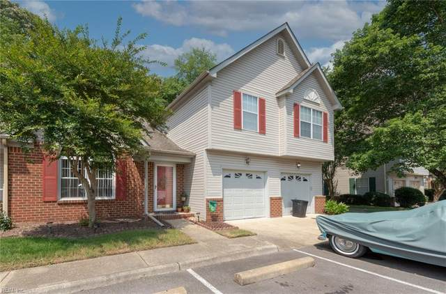 406 E Hill Lane Ln E, Chesapeake, VA 23322 (#10384678) :: The Kris Weaver Real Estate Team