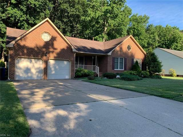 2035 Brier Cliff Cres, Chesapeake, VA 23320 (#10386652) :: The Bell Tower Real Estate Team